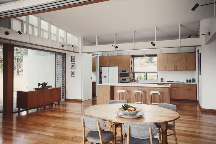 A Modern Australian Home Nestles Into Stunning Natural Landscape
