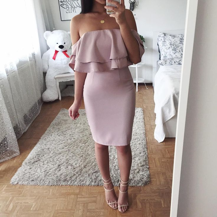 """13.6k Likes, 66 Comments - Thanya W. (@thanyaw) on Instagram: """"Sundays should come with pause buttons Dress: @leclosetofficial"""""""