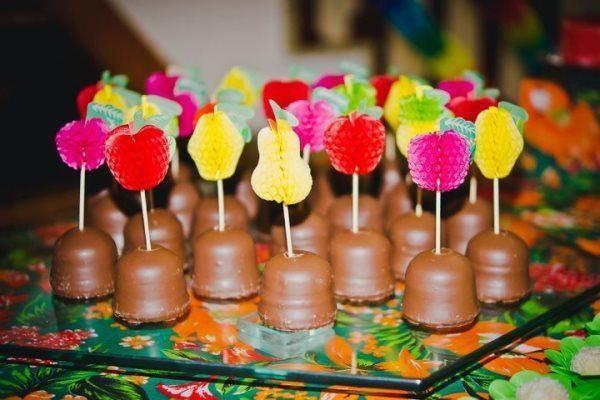 decoracao-de-festa-havaiana-ideias-dicas-fotos-6.jpg (600×400)