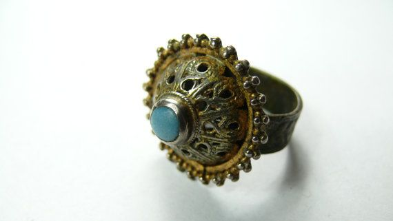 Hey, I found this really awesome Etsy listing at https://www.etsy.com/listing/239666418/old-ring-antique-ring-vintage-ring
