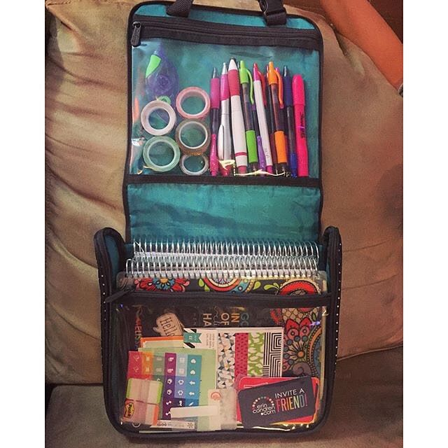 The Hanging Traveler Case holds all your planner supplies! - www.mythirtyone.com/jenniferehardy