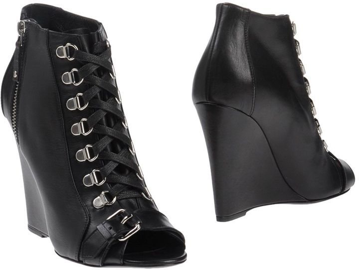 DIESEL BLACK GOLD Ankle boots | YOOX.COM saved by #ShoppingIS