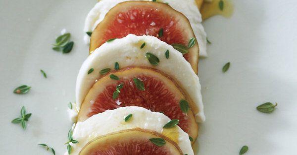 モッツァレッラの淡白な味がジューシーな果肉と好相性|『ELLE gourmet(エル・グルメ)』はおしゃれで簡単なレシピが満載!