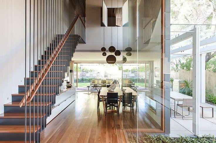 Arredare una casa con i soffitti alti - Lampade a soffitto