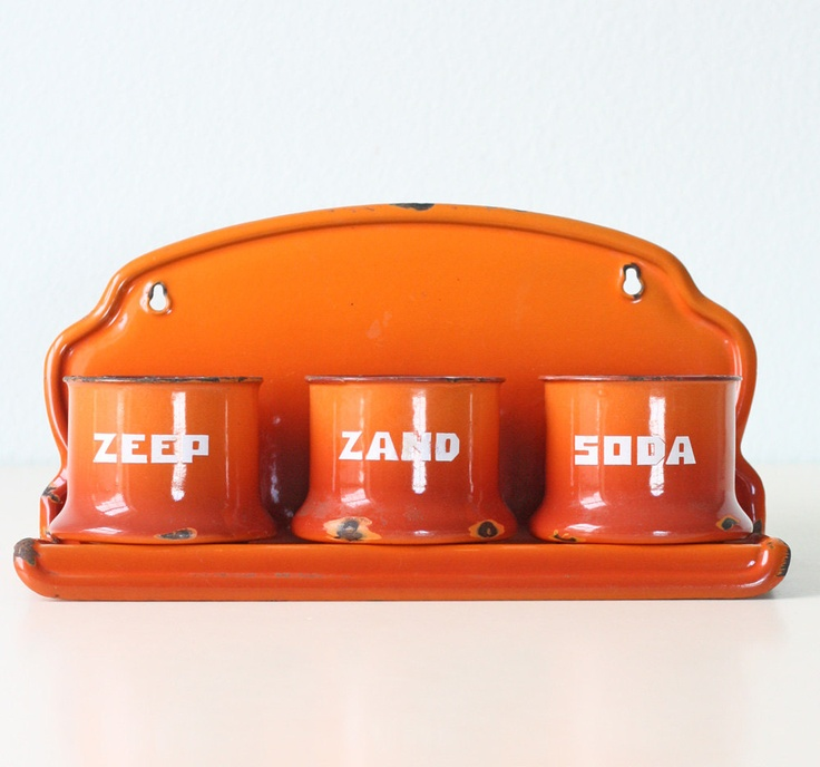Vintage Orange Enamel Zeep Zand Soda