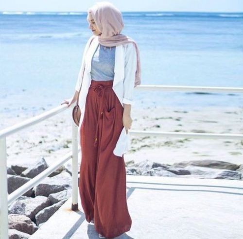 beach hijab outfit- Ideas for everyday casual hijab http://www.justtrendygirls.com/ideas-for-everyday-casual-hijab/