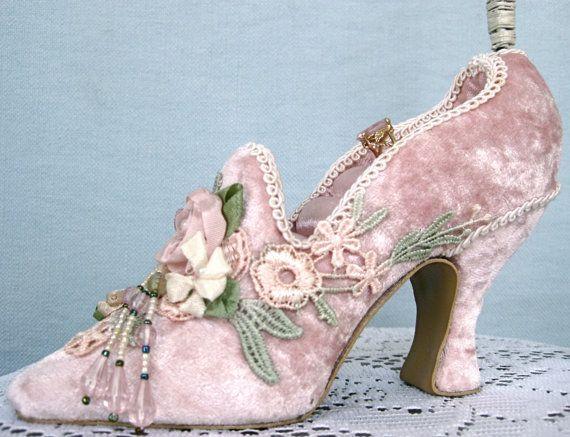 Pink Velvet Victorian Shoe Necklace, Bracelet and ring holder from etsy shop TwillaGirl Vintage Shop $18