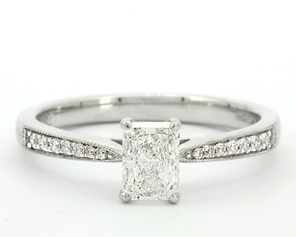 Radiant cut diamonds' square silhouettes and gently trimmed corners make them an exceptional choice for the centerpiece of an engagement ring. If you want to buy this amazing diamond for your ring, then you must contact Luminus Diamond.  #fashion #diamonds #jewelry #shopping #radiant_cut_diamond_ring #radiant_diamond