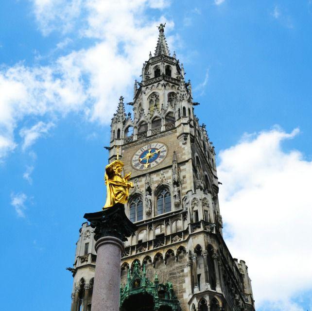 Monaco di Baviera a misura di bambino. Tra giocattoli,carillongiganti, torri altissime e impronte misteriose.