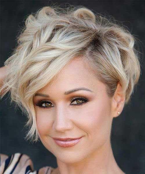 Layered-Wavy-Short-Blonde-Hairstyle.jpg 500×600 pixels