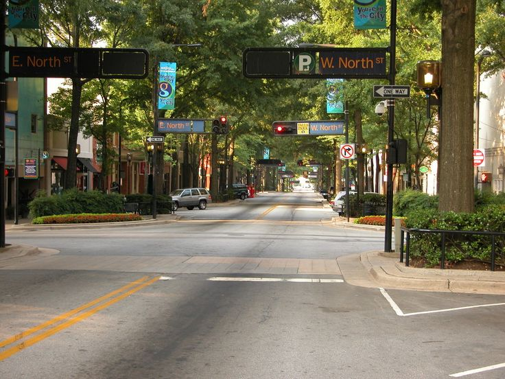 The downtown of Greenville, SC - it's a tree lined treasure :): Downtown Area, Favorite Places, Beautiful Places, Cities Engagement, Downtown Greenvil, Maine Street, Sweet Home, Greenvill Sc, South Carolina