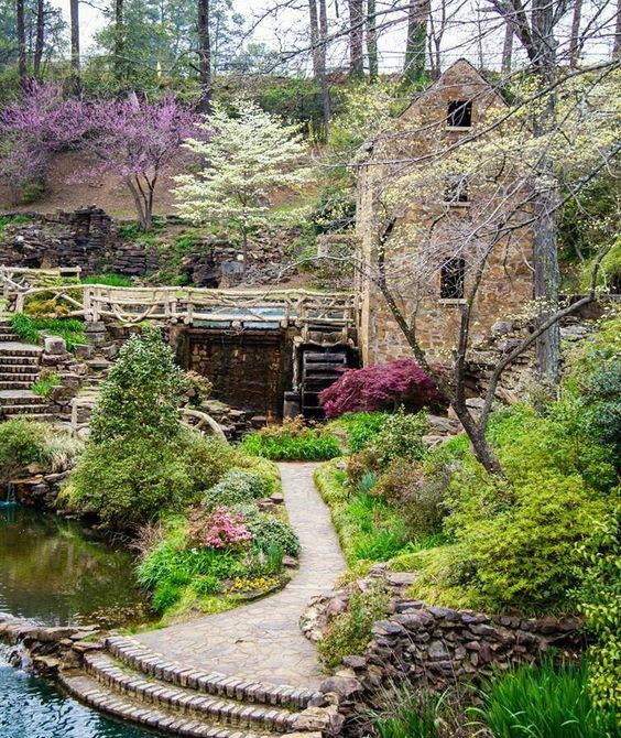The Old Mill Park in Little Rock, Arkansas, USA