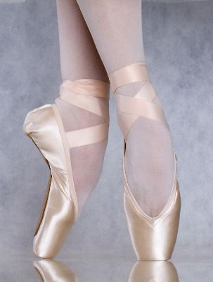I wish I continued with ballet so I could be able to dance in these pretty pointe shoes