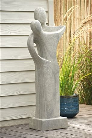 Kissing Couple Sculpture