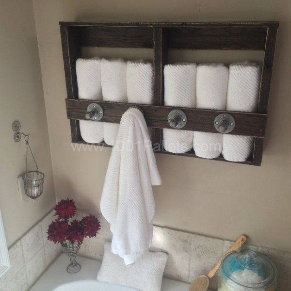 Knotty Pallet Industrial Pallet Towel Rack