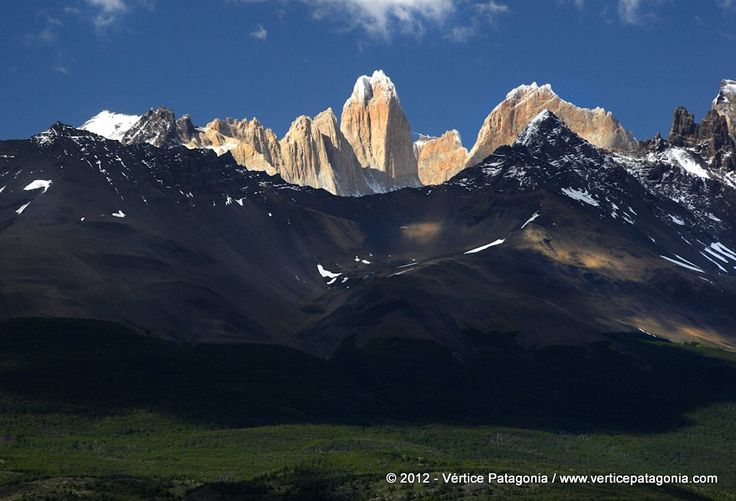 Travel with us! www.verticepatagonia.com Patagonia - Chile