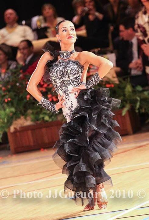 1158 best vestuarios images on Pinterest | Dance costumes, Fashion ...