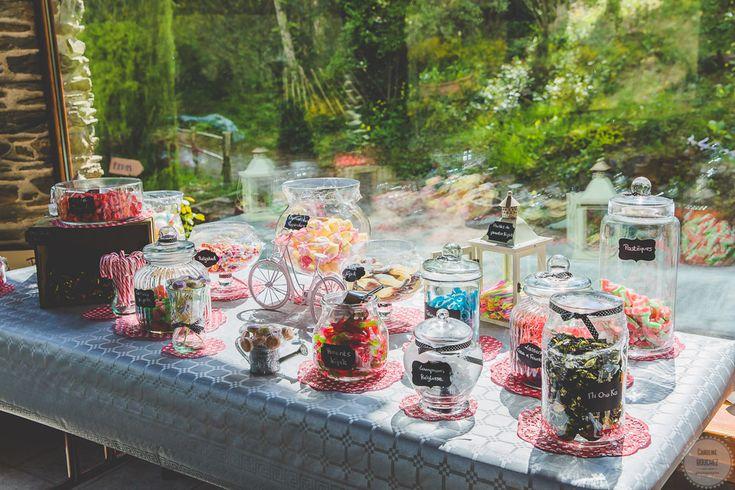 La décoration intérieure le jour J avec le candy-bar // Photo : Caroline Bouchez