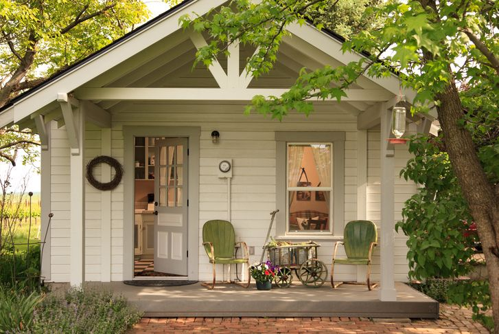 Tiny House: beautiful Bunk House cottage at The Inn at Abeja and vineyard in Walla Walla, Washington, USA. The other rental cottages are also beautifully decorated.