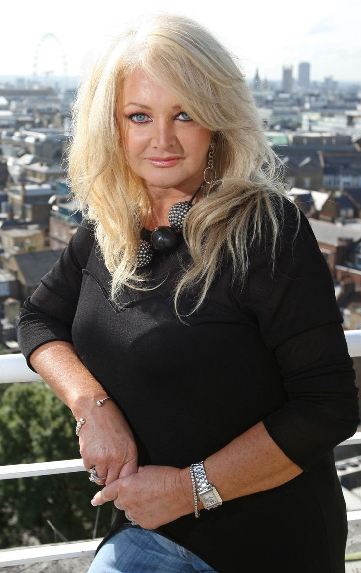 Bonnie Tyler #bonnietyler #2000s #gaynorsullivan #gaynorhopkins #thequeenbonnietyler #therockingqueen #rockingqueen #music #rock  www.the-queen-bonnie-tyler.com