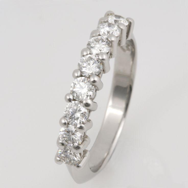 Wedding ring ladies platinum diamond