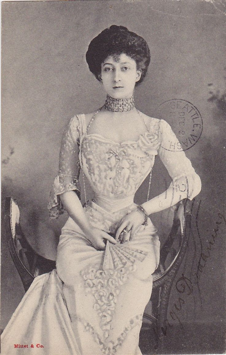 Queen Maud of Norway, 1905. She was infamous for having a particularly tiny waist.  Princess Maud of Wales was born at Marlborough House, London as the daughter of Albert Edward, Prince of Wales, the eldest son of Queen Victoria and at that time heir apparent to the British throne. Her mother was Princess Alexandra of Denmark.