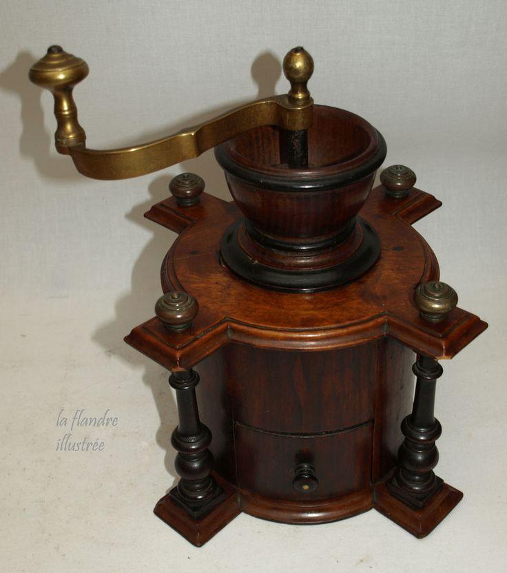 flandre - exceptionnel moulin à café circulaire en acajou à colonnettes 19ème