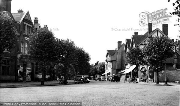 Bush Hill Park, Queen Anne's Place c1955