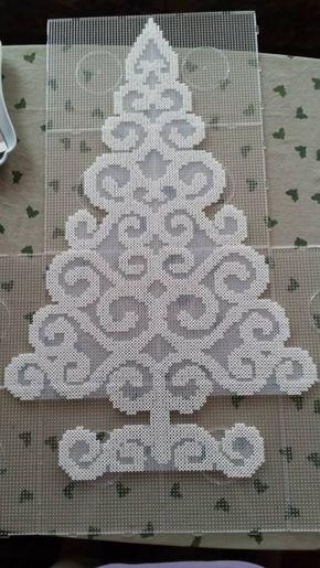 pärlor, pärlplatta, pyssel, pysseltips, mönster, jul, julmotiv, julpyssel, gran, julgran, ornament, julornament