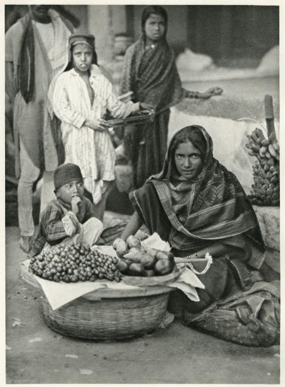 Fruit+Vendor+in+Hyderabad,+Deccan+-+India+1928