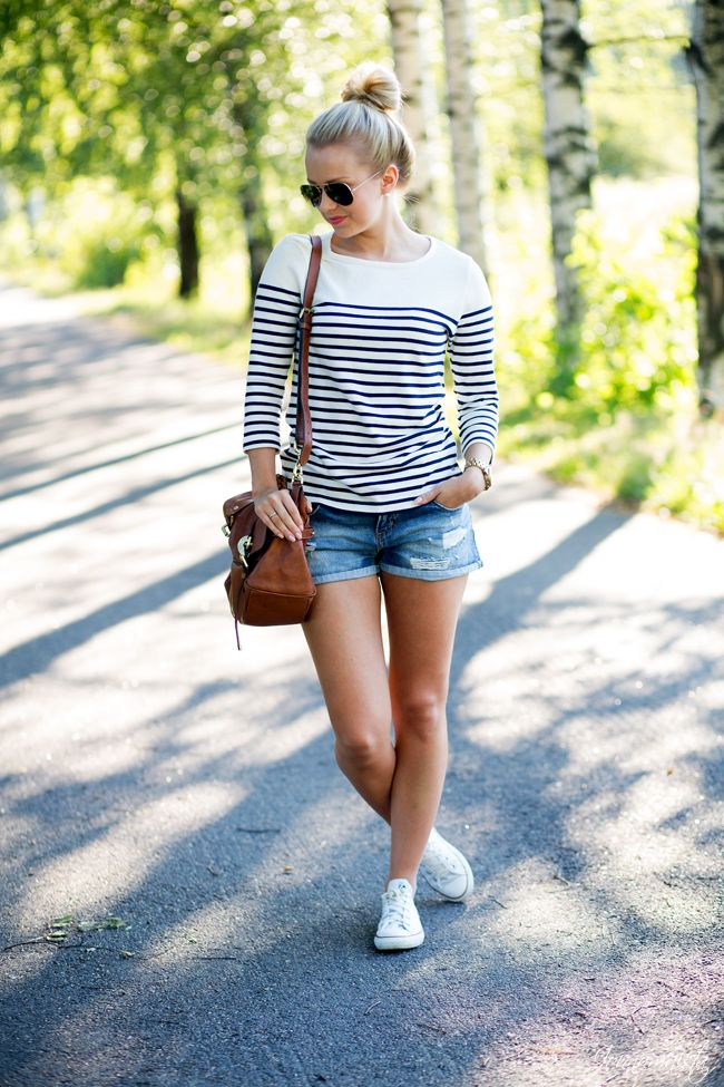 Ripped denim shorts and stripes