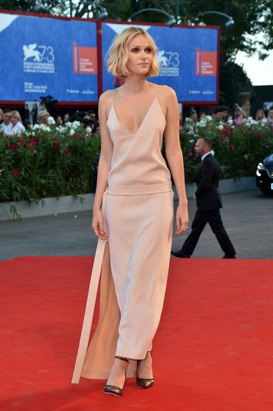 Caterina Shulha - Every Stunning Look from the 2016 Venice Film Festival…