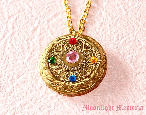 Hey, I found this really awesome Etsy listing at https://www.etsy.com/listing/221399272/sailor-moon-locket-necklace-openable