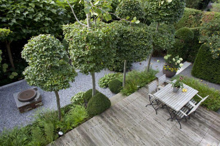 marion nickig kleine gaerten terrasse mit sitzgruppe. Black Bedroom Furniture Sets. Home Design Ideas