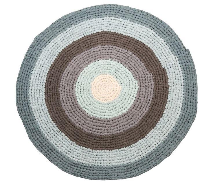 Gulvteppe, tykt heklet rundt teppe, blå og grå