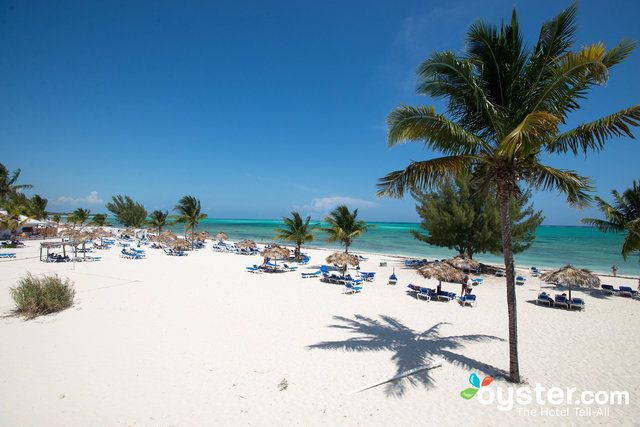 On the southeast shore of Grand Bahama near Freeport is one of the few all-inclusive resorts on the entire island with 274 rooms spread out over 26 acres. This Wyndham offers low prices for families on a budget. Rooms are divided into two types: the Vista rooms, which have a white modern color scheme and ocean views, and the Flora rooms, with fewer amenities and shockingly bright Caribbean decor. All rooms in the two-story bungalows have balconies, coffeemakers and free Wi-Fi, and are an…