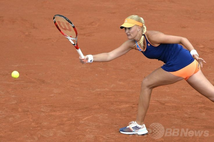 全仏オープンテニス(French Open 2014)、女子シングルス1回戦。リターンを狙うクリスティーナ・ムラデノビッチ(Kristina Mladenovic、2014年5月27日撮影)。(c)AFP/MIGUEL MEDINA ▼28May2014AFP 全豪女王の李娜、1回戦で敗れる 全仏オープン http://www.afpbb.com/articles/-/3016062 #Kristina_Mladenovic #French_Open #Internationaux_de_France_de_tennis #Torneo_de_Roland_Garros