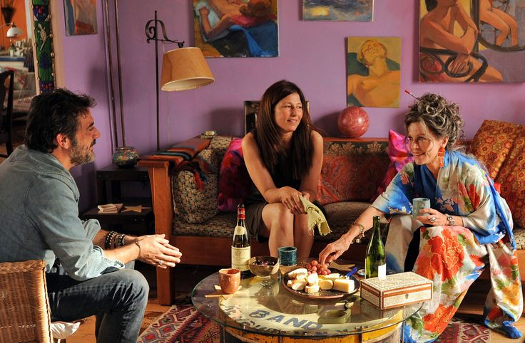 peace love and misunderstanding trailer 2011 | An uptight NYC lawyer takes her two teenagers to her hippie mother's ...