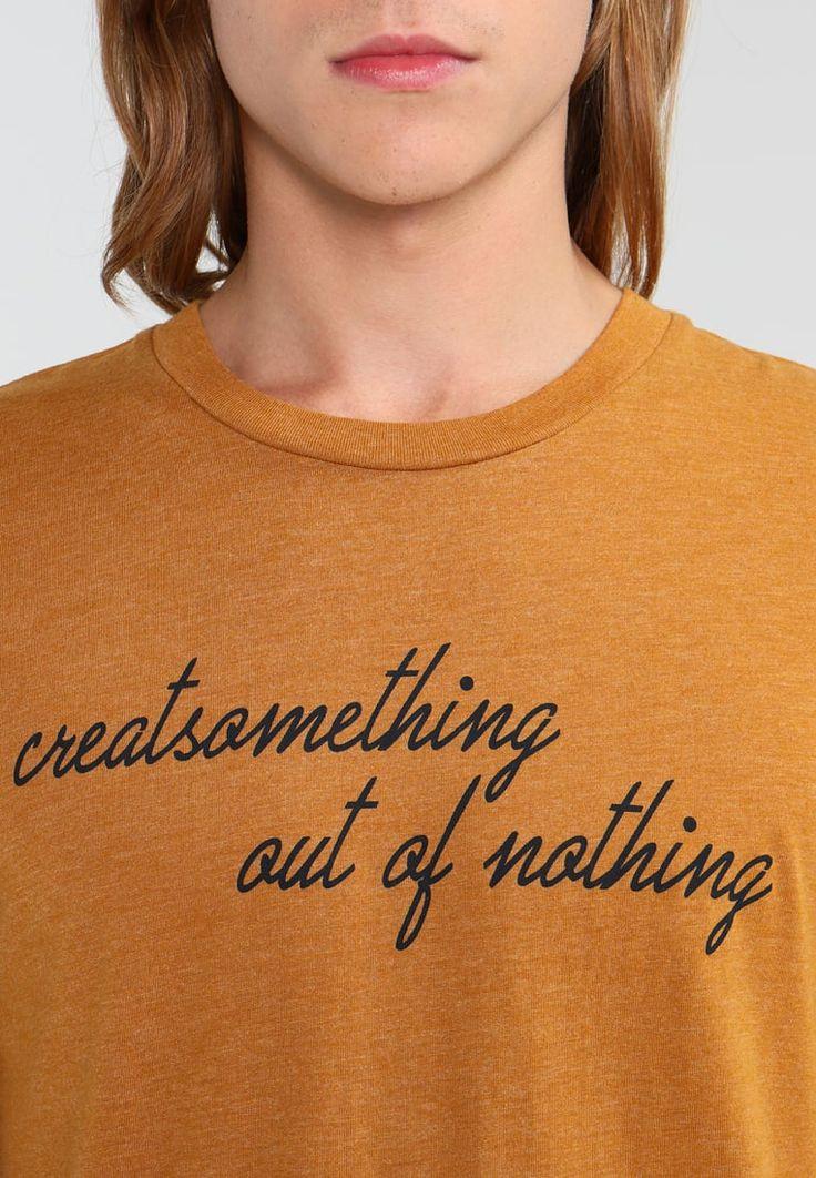 Produkt T-Shirt print - golden brown für 9,95 € (07.10.17) versandkostenfrei bei Zalando bestellen.
