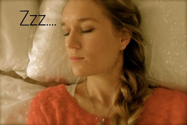 slapen op zijden kussen
