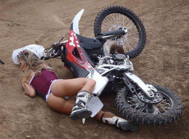 girls-girl-bare-ass-on-motorcross-girls-nude
