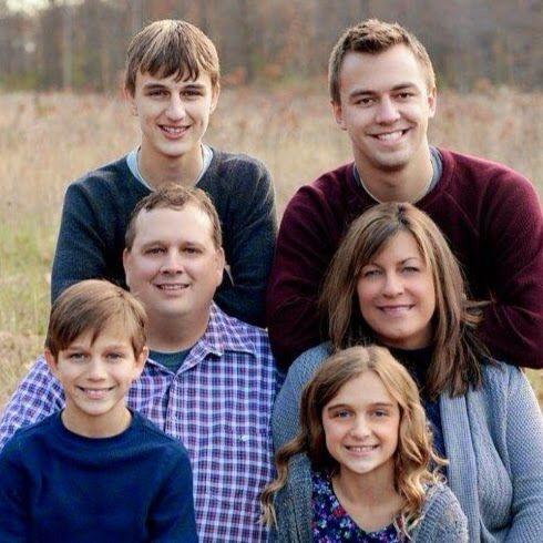 Our family nest love u guys - Season 3>