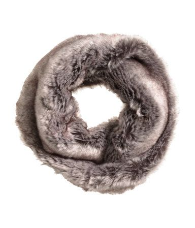 Twisted tube scarf in soft faux fur. | H&M Accessories