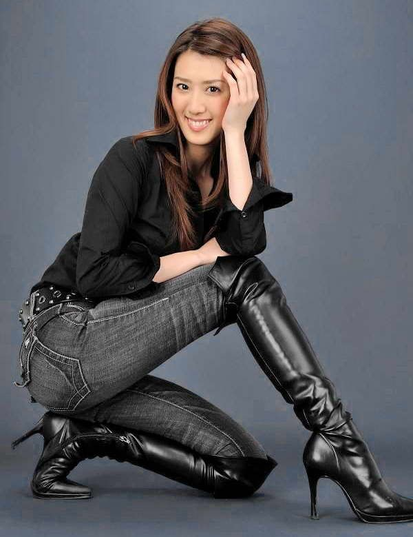 hot women in jeans and boots - photo #18