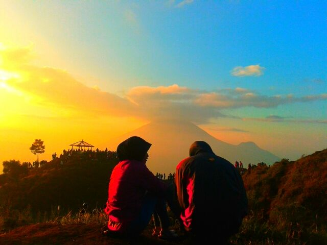 SIKUNIR GOLDEN SUNRISE WONOSOBO