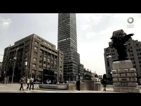 La Ciudad de México en el tiempo: Torre Latinoamericana. Conoceremos a través de los años los cambios que han tenido los alrededores de este famoso rascacielos hecho en 1949. A casi 70 años de su inauguración, La torre Latinoamericana sigue siendo el mejor mirador de la ciudad de México.