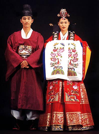 These clothes represent formal ceremonial clothes worn by females during the Chosun (1392-1910) Dynasty.