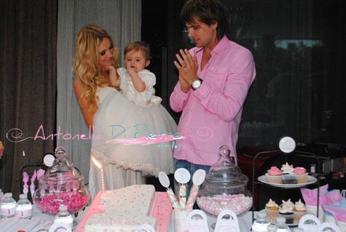 El festejo del primer año de Isabella la hija de la modelo Melina Pitra y el jugador de fútbol Fabian Assman http://antonelladipietro.com.ar/blog/2012/12/cumple-fiesta/