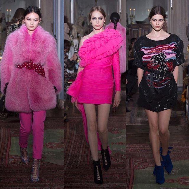Like a diva: @peter_dundas showed his first collection for @dundasworld yesterday in Paris./ Пайетки меха и розовые банты: вчера в Париже Питер Дундас показал свою дебютную коллекцию для собственного бренда. Все луки - по ссылке в профиле!  via VOGUE RUSSIA MAGAZINE OFFICIAL INSTAGRAM - Fashion Campaigns  Haute Couture  Advertising  Editorial Photography  Magazine Cover Designs  Supermodels  Runway Models