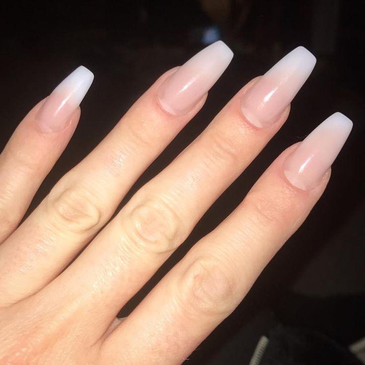 Frisches Jahr, frisches Set. Lieben Sie mich ein Baby Boomer #fadedfrench #nails #nailsonfleek #tightfreshsetfeeling